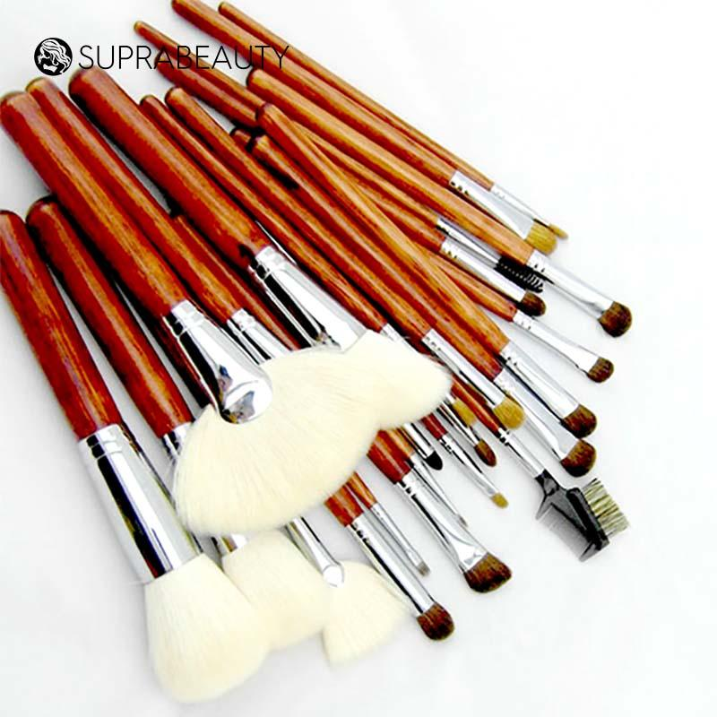 Professional makeup brush set for artist