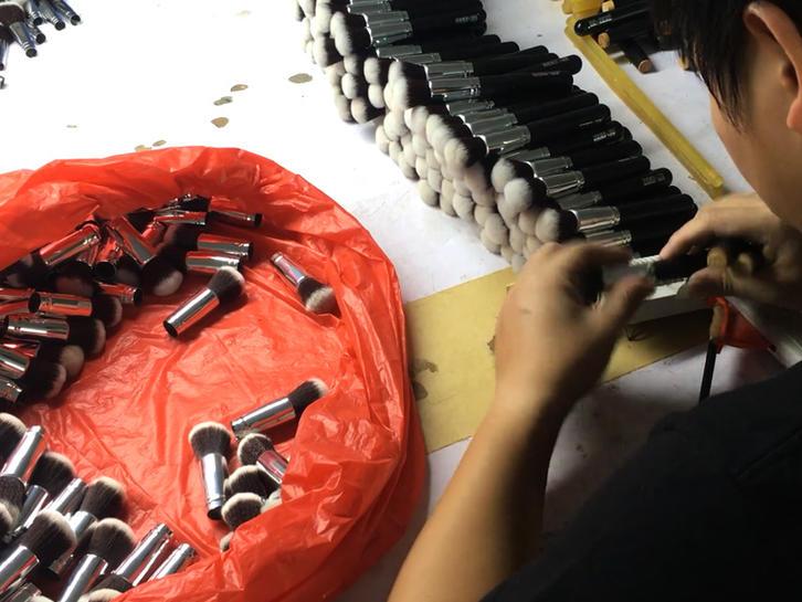 Handle assembling