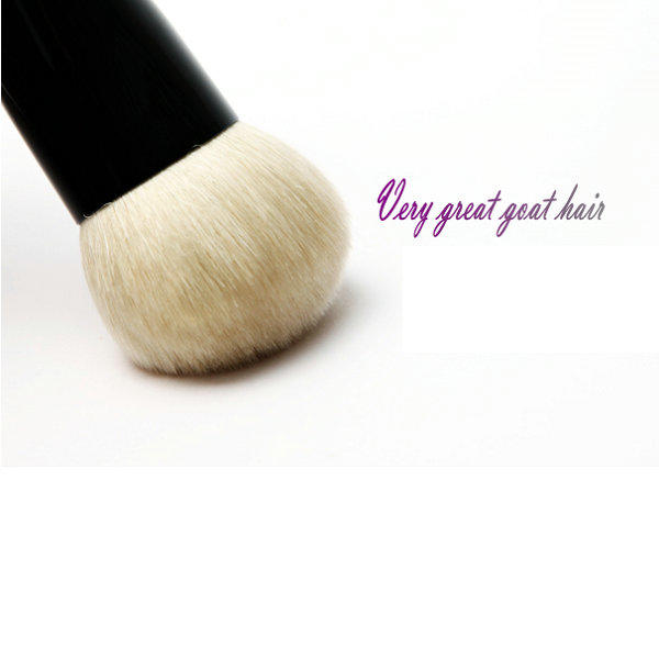 Short handle goat hair mineral powder makeup brush