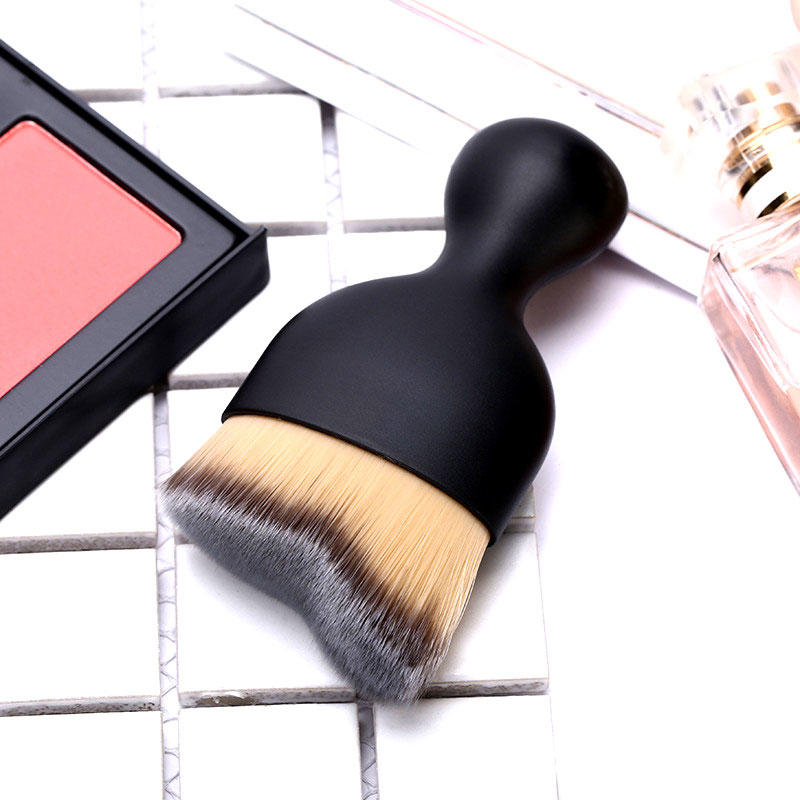 Short handle portable foundation contour makeup brush