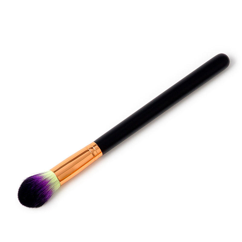 Gold color contouring basic makeup brushes